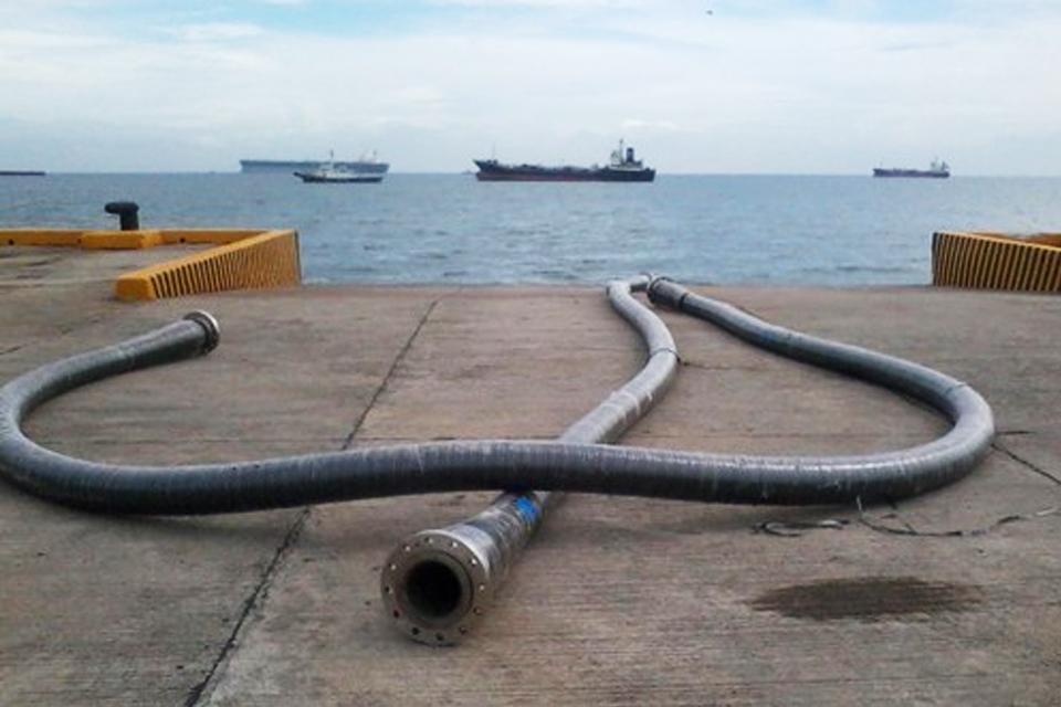 Ở đâu bán ống cao su dẫn xăng?